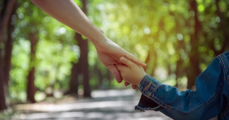ידיים מושטות לעזרה – 6 טיפים לבחירת היועץ הרוחני המושלם!