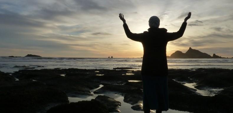 תרגיל מדיטציה יהודית קבלית בדמיון מודרך – תרגיל לפתיחת שערי שמיים לתפילות