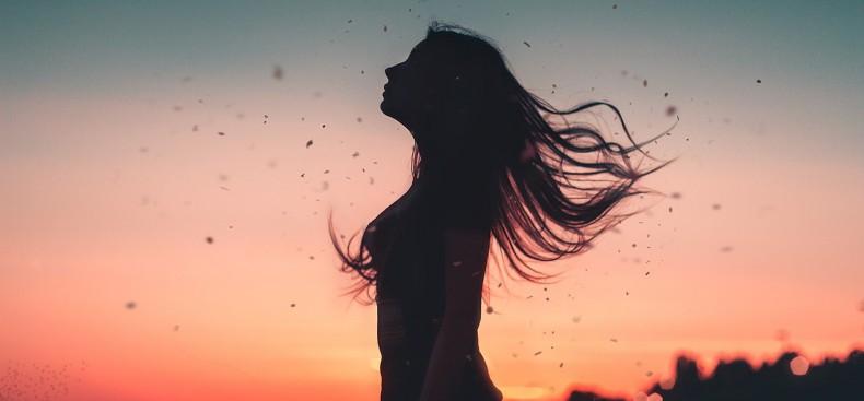 הפתרון לריפוי שלך נמצא בנשימה שלך – על שיטת ריברסינג, נשימה מודעת והריפוי שזו מביא לחייך.