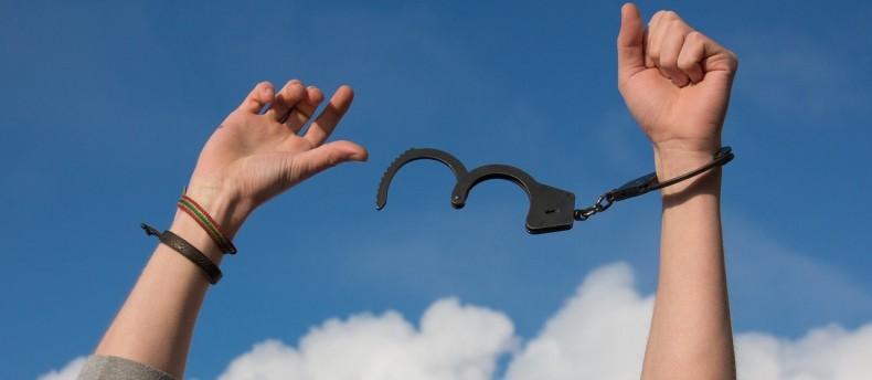 טיפול אנרגטי ריגשי לשחרור חסימות – כך תשחררי חסימות רגשיות מחייך